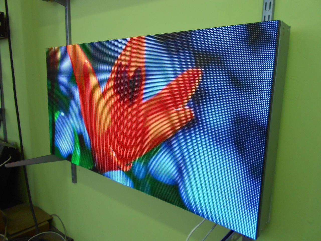 led-ekran-1024x512-p4-1